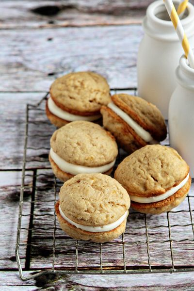 Banana Whoopie Pies : Mini banana cakes sandwiched together with a creamy mascarpone filling create these deliciously adorable Banana Whoopie Pies
