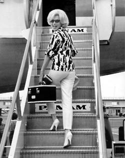Marilyn leaves Miami 1952