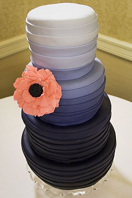 ombre cake w/ pretty pink flower