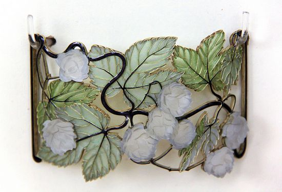 Lalique - around 1900 - Plaque for Dog Collar. Museum of Applied Arts - Budapest
