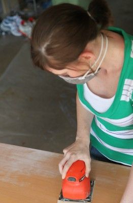 How to Paint a Kitchen Table from MomAdvice.com.