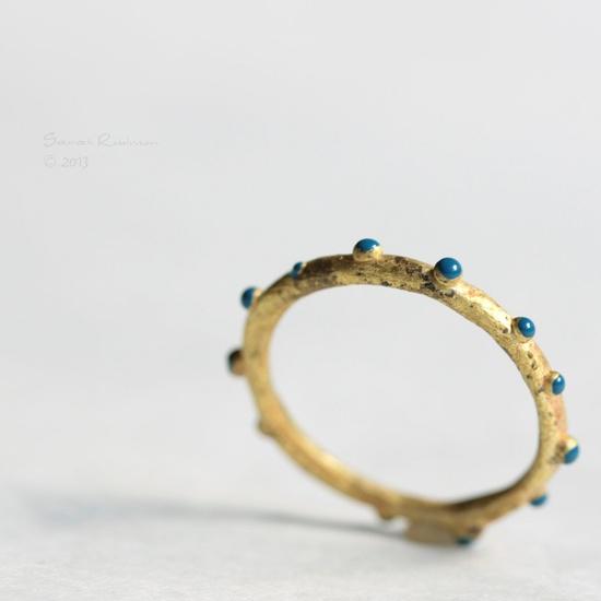 Blue Bubbles Golden Ring
