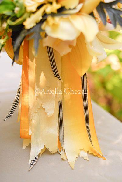 scalloped ribbon edge