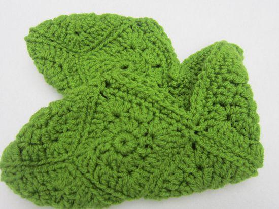 Granny Square Slippers  Women's Size Medium by crochetedbycharlene, $15.00 #etsysns #shopetsy #boebot