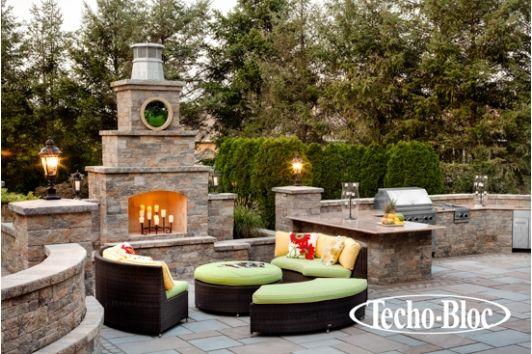 Outdoor foyer - Home and Garden Design Ideas