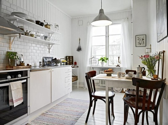 white kitchen, open shelving