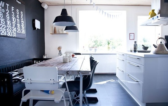 Colorful and graphic home - via Coco Lapine