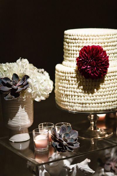 Chic & Modern Wedding Cake.   Photography by JanGarcia.com, Flowers by jldesignsandevent...