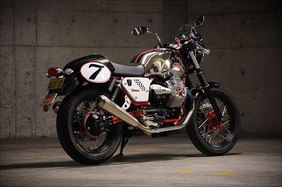 Review: 2011 Moto Guzzi V7Racer - Pipeburn - Purveyors of Classic Motorcycles, Cafe Racers & Custom motorbikes