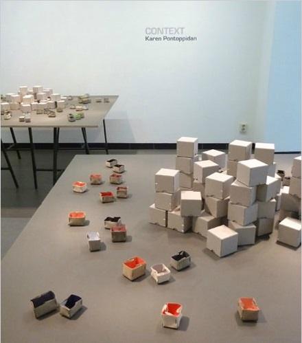 "EXPO ""Context"" (Galerie Rob Koudjis) - Karen Pontoppidan brooches"