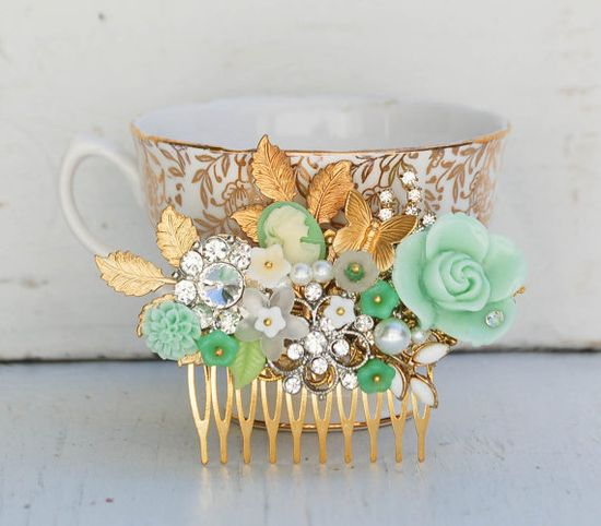 Bridal HAIR COMB Gold Vintage Hair Accessory#wedding #bride one-of-a-kind