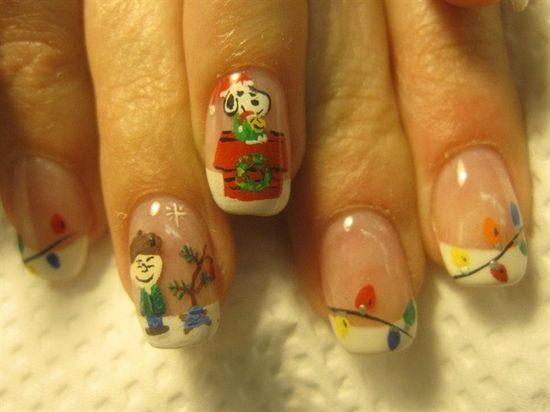 Charlie Brown Christmas - Nail Art Gallery by NAILS Magazine