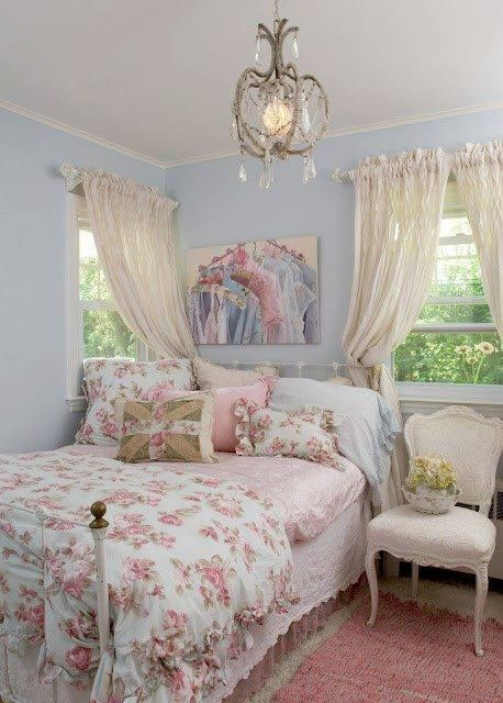 Pretty Shabby Chic Bedroom....