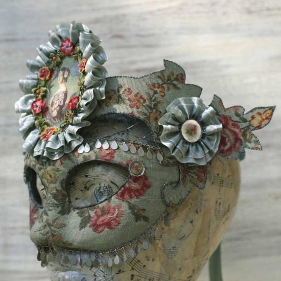 Amazing vintage style mask