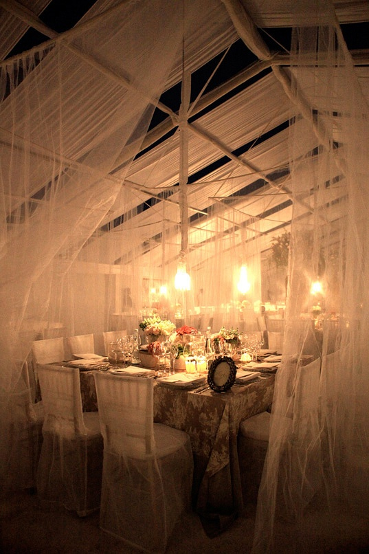 What a romantic wedding table!! Must have its SO beautiful :O