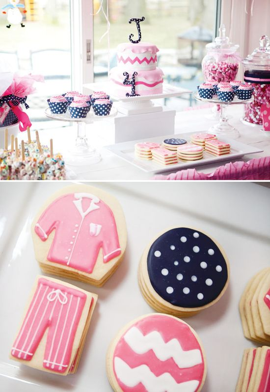 PJ Night Inspiration: Jennifer's delicious Preppy Pancakes & Pajama Party #pjnight