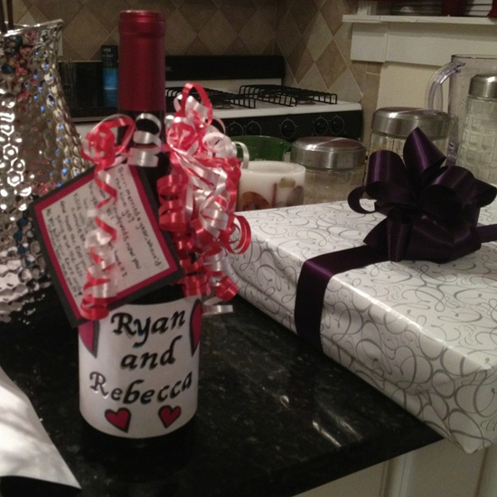 Holiday and Gift Ideas / Super cute idea for a wedding shower gift
