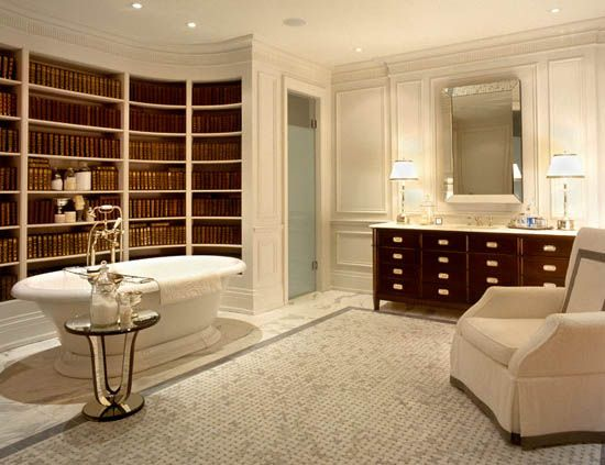 OMG!  I'd never leave this bathroom/library!