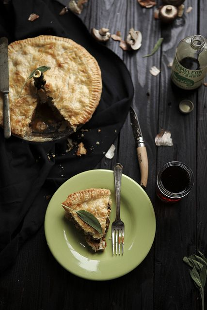mushroom and gorgonzola pie