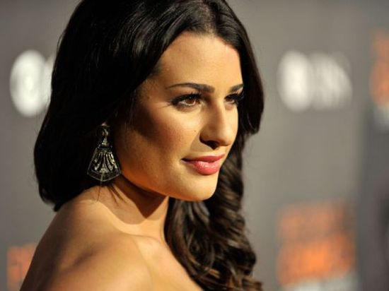 Lea Michele - Celebs with acne, zits, pimples #celebrity #skin #hollywood #makeup #makeover #zits --- www.acneonestep.com