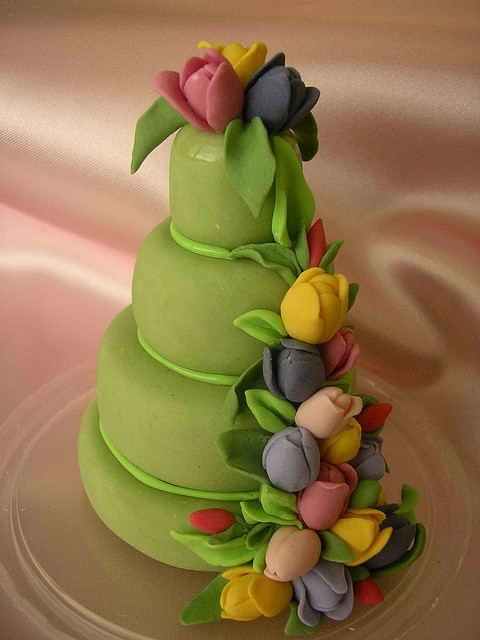 two of my favorite things together...cake & tulips