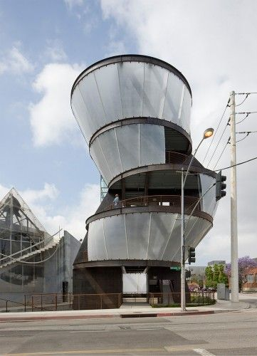Cunjunctive Points: Eric Owen Moss's Hayden Tract in Culver City #architecture