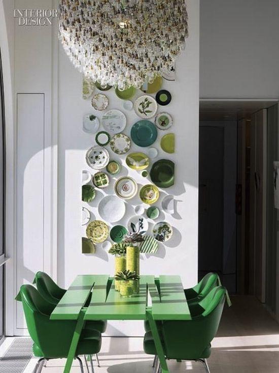 10 Dazzling Pantone Emerald Green Interior Ideas