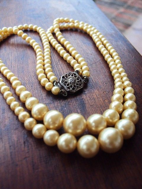 ... needs pearls.