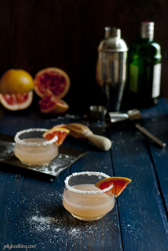 The Salty Dog: gin, grapefruit juice, salt rim