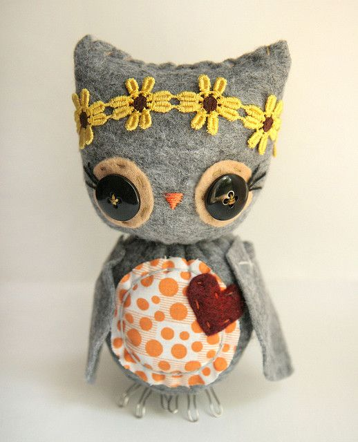 Little button owl #crafts #sewing #heart #red #yellow #flowers