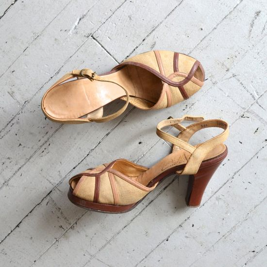 1940s shoes / vintage 40s platform shoes / Pots du by DearGolden, $158.00