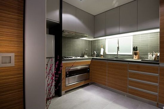 Hong Kong Wooden Apartment Decoration & Interior Design