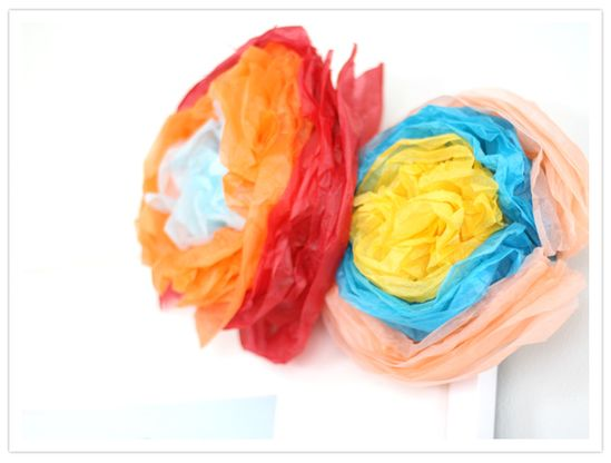 Tissue paper flowers #CincoDeMayo