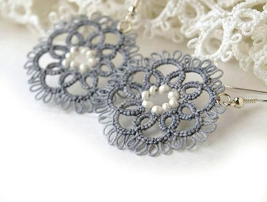 Tatted lace earrings by LaceLadyOla, etsy