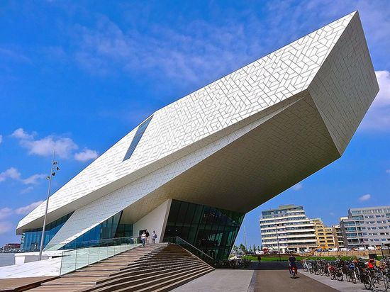 EYE Film Institute Netherlands, Amsterdam by Ken Lee 2010, via Flickr