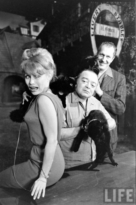 Joyce Jameson, Peter Lorre, and Vincent Price at black cat auditions for Tales of Terror.