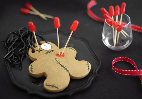 Cast a spell on your friends with these fantastically detailed cookies.