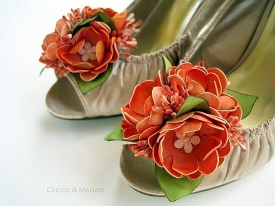 love these pretty shoe clips