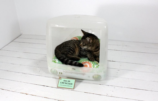 Upcycled iMac cat bed - so cool!