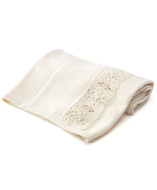 Lovely baby blanket in 100% organic cotton.