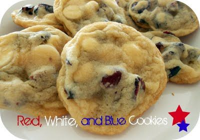 God Bless America! Red, White, and Blue Cookies from SixSistersStuff.com #Cookies #Dessert #USA