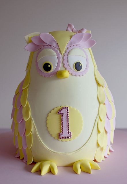 This darling 1st birthday owl cake is soooo fantastically adorable! #birthday #owl #bird #cake #food #decorated #cute #yellow #purple