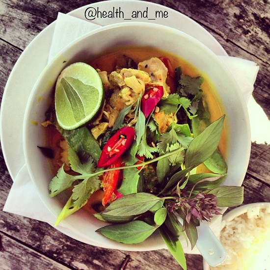 coconut thai green curry with herbs + fresh chilli! #plantbased #health #herbs #chilli #healthandme #organic - @health_and_me- #webstagram