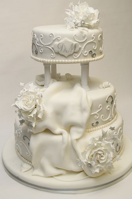 wedding cake    #WeddingCakes #Weddings