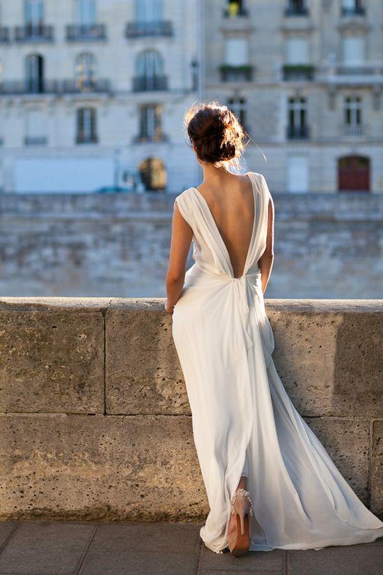 backless chiffon wedding dress