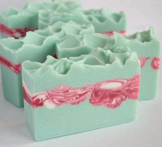 Peppermint Eucalyptus Soap Handmade Cold by innerearthsoaps.