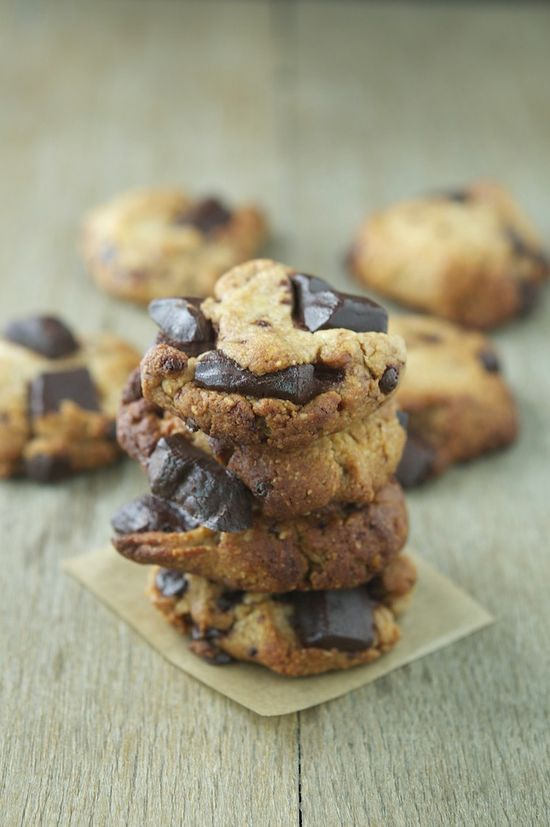 Paleo Chocolate Chunk Cookies by theironyou #Cookies #Chocolate #Paleo
