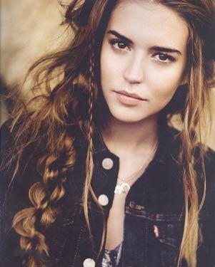 Clara Alonso's hippie hair
