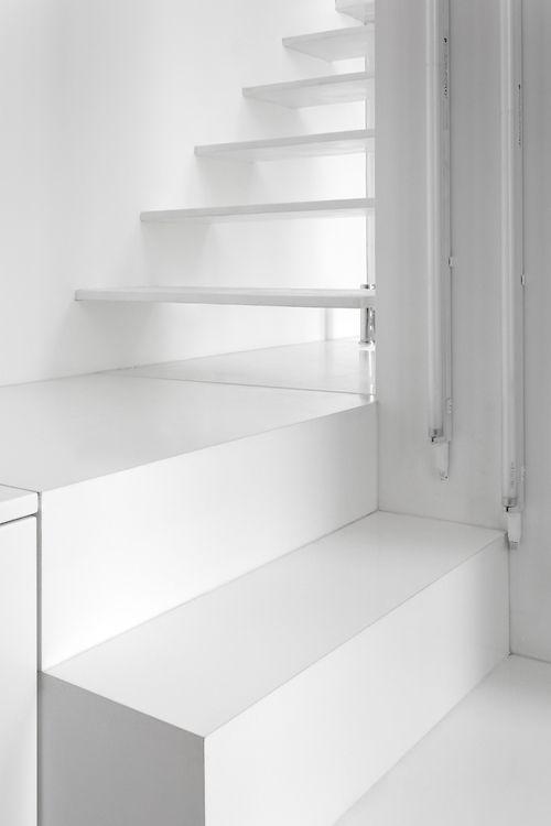 #interiors #design #white #stairs #minimalism #architecture #light