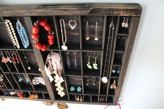 a printers tray for jewelry storage is a neat idea